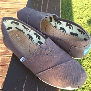 Toms ash canvas shoes